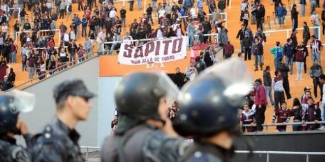 El abogado del Observatorio de Violencia en el Fútbol de la Universidad Nacional de La Plata se refirió a los hechos de ayer, en el marco del encuentro entre Estudiantes y Lanús, en los que murió un hincha del equipo visitante.