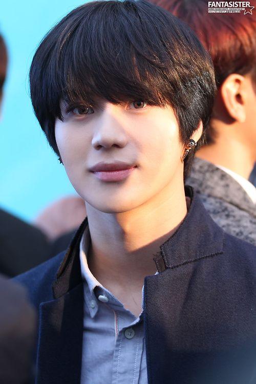Taemin and his gorgeous black hair .   k-pop : Shinee ...