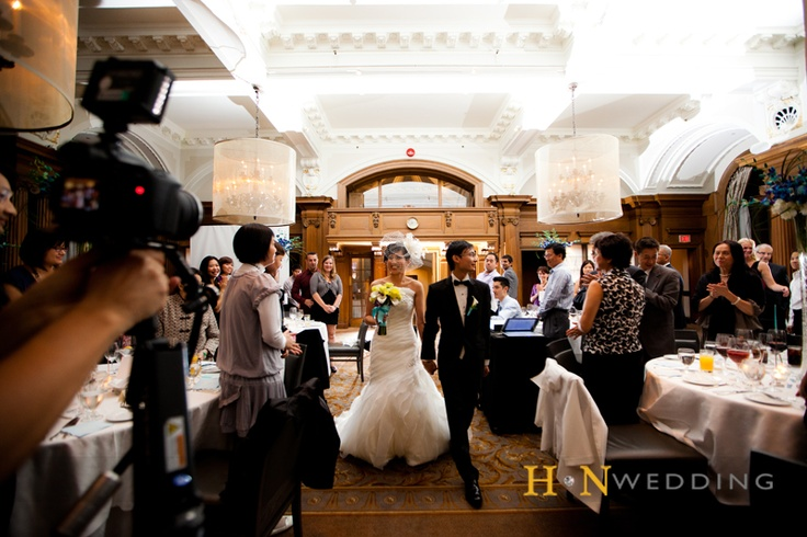 #HNwedding #banquet #Vancouver #weddingday #entering #VancouverClub #www.hnwedding.com