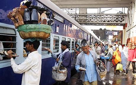 uses of computers used in railway stations Computers and information technology are widely used in the railway station :-tracking, scheduling, monitoring and reporting railway trafficpricing and ticketingaccounting and financial.