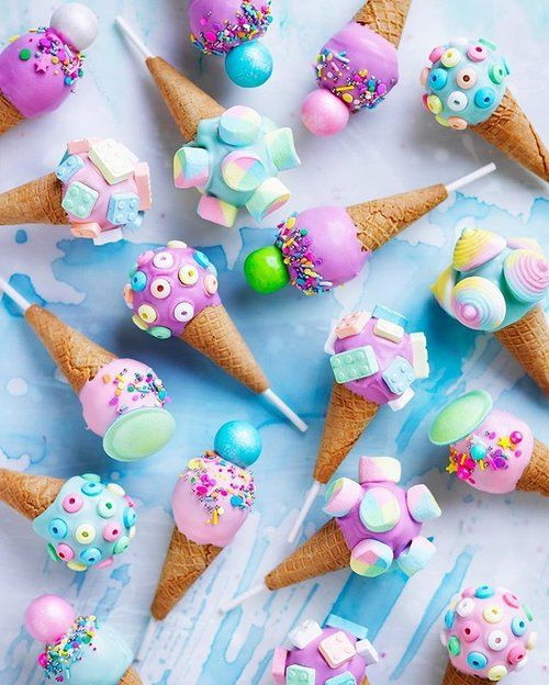 How DREAMY is this shot of my chocolate fudge ice cream cake pops, featured in the @womensweeklycookbooks SWEET cookbook! It's a huge honour to have five of my recipes published by such an iconic institution in Aussie home baking! I grew up flicking through these cookbooks   @bendearnley