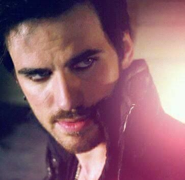 Colin O'Donoghue - Killian Jones -Captain Hook - - Captain Swan - Once Upon A Time