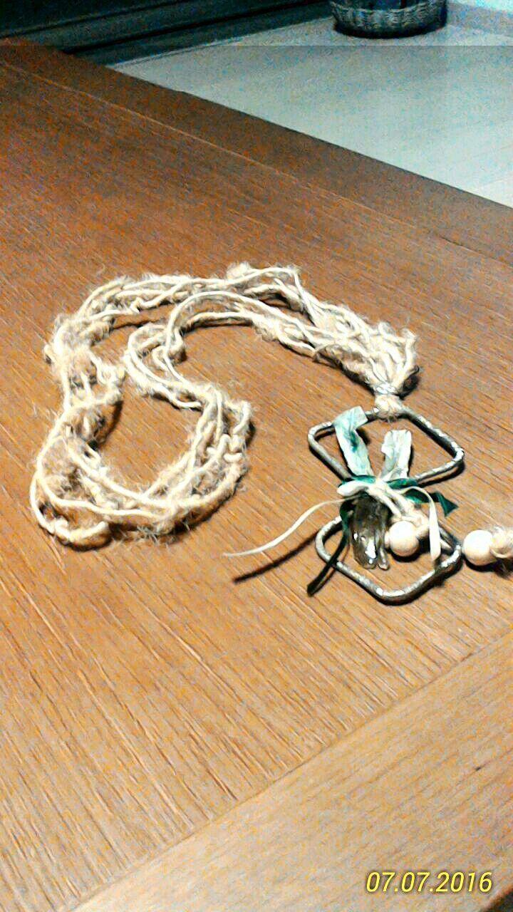 Κολιέ με σύρμα και σπαγγο