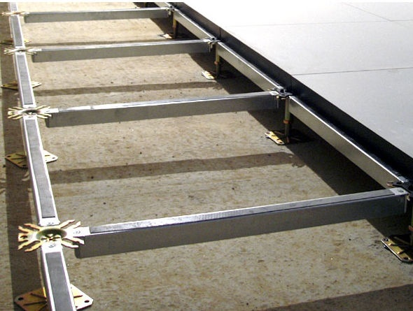 Raised access floor structure stringers hyperline systems for Glass deck floor