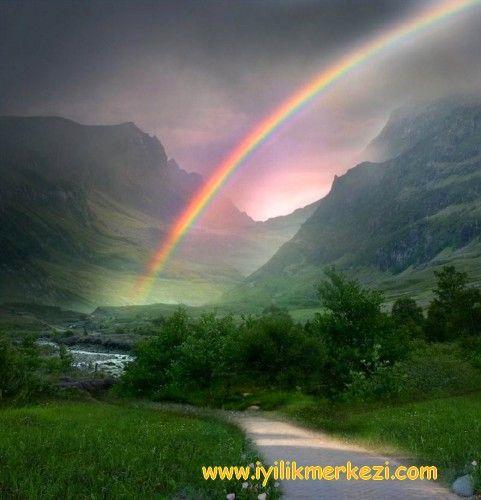 Günün Olumlaması: Hepsi ve hepimiz sevgiyi hakediyoruz. Her deneyim hizmet eder,öğretir, fark ettirir. Affederek, anlayarak, görerek ve idrak ederek ilerliyorum. Yolum açık ve aydınlık. Güvendeyim ... — Iyilik'te. #guven #iyilik #aydinlik #yolumacik #rainbow #gokkusagi #iyilikte #iyilikmerkezi #bybegumkarace