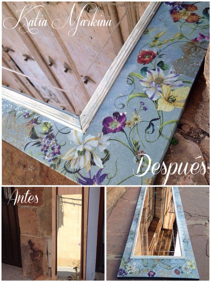 Decoupage en una puerta de armario reconvertido en espejo for Muebles ezcaray