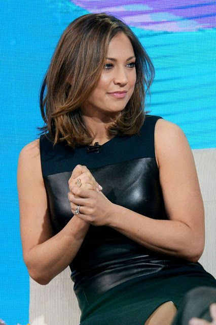 celebstills: Ginger Zee – Tapes a Segment for 'Good Morning America' in Times Square, New York, March 2016