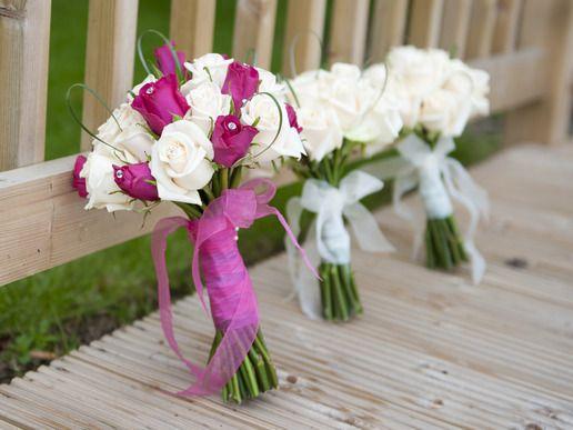 Znalezione obrazy dla zapytania bukiet ślubny różowe róże