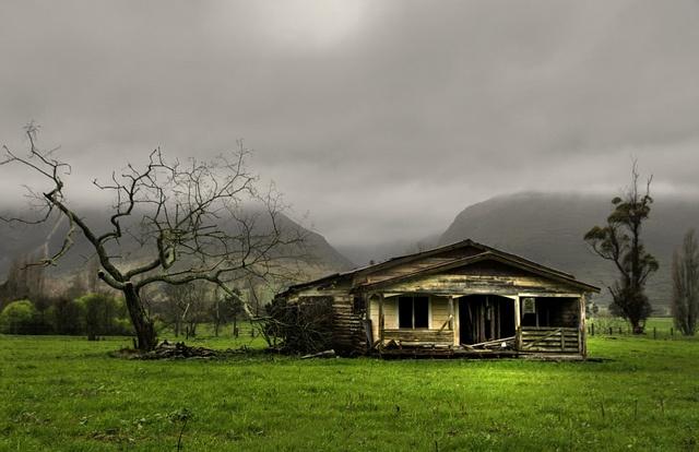 Old house, Takaka, Golden Bay, New Zealand by brian nz, via Flickr