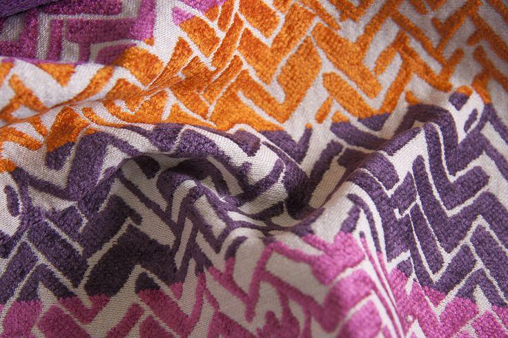 SHINE L1395 04 Склад:58% PL, 36% AC, 6% VI ширина – 138/140 см вага – 660 г/м²  #interiorfabrics #джакард #тканинадлямеблів #тканидлямебели