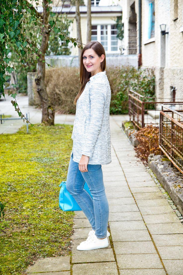 Erinnert ihr euch an meinen Post aus dem letzten Frühling mit meiner MAC Dream Skinny Jeans? Mit der Hose war ich so zufrieden, dass ich sie mir – ein Jahr später – nochmal in hellblau und schwarz bestellen musste (nachdem meine einzigen anderen Jeans in schwarz und hellblau so langsam den Geist aufgeben war das auch bitter nötig).
