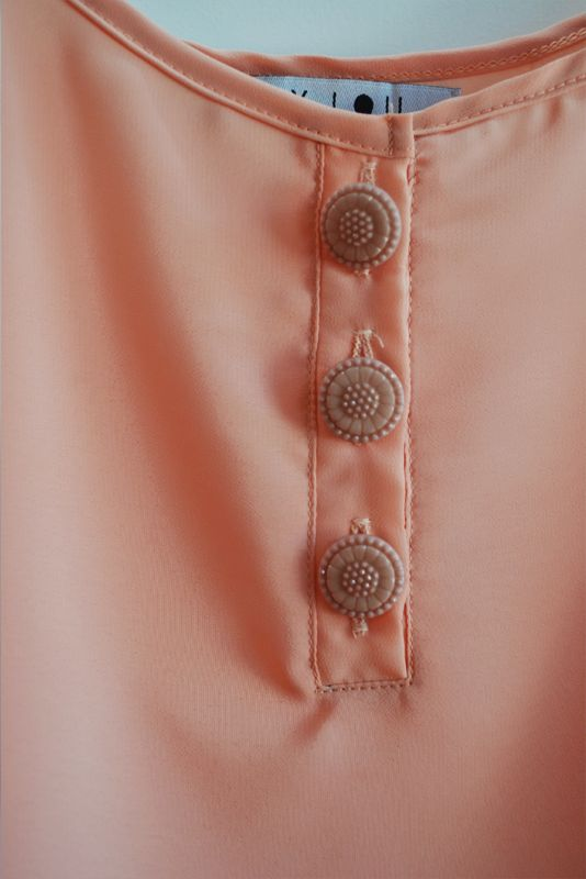 Blusa Pomelo | wearelse | verano 2014. Blusa botones decorados, detalles. Fashion details.