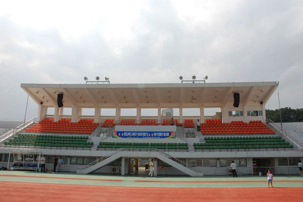 "#ATProfessional - AT's distributor in South Korea ""VIVI SOUND""  installed a sound system in a 3,000 seat sports ground in MunGeong, Gyeongbuk Korea. A Blackbird TLA308 Line Array System was installed in a left and right configuration behind the main seating area.   Each Line Array comprised 6x TLA308 plus 1x TLA308B Sub Bass Cabinet. Also, 8x SS24 Full Range Speakers were installed either side of LED Screen.  Crown amplifiers and XTA processing provided drive for the system. #pasystem"