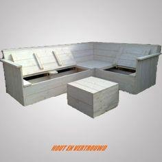 steigerhouten hoekbank met veel opbergruimte onder de zitting. met bijpassende tafel/hocker