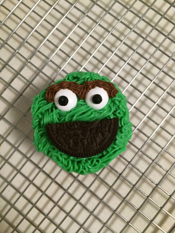 Sesame Street - Oscar the Grouch Cupcakes