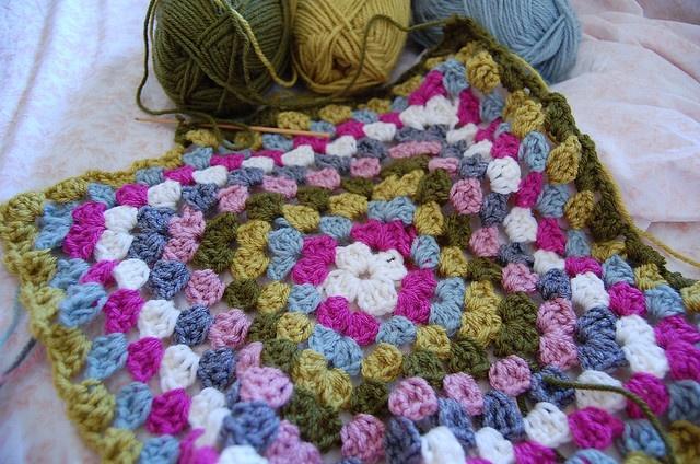 crochet blanket: Crochet Blankets Patterns, Color Combos, Color Schemes, Blanket Crochet, Crochet Blanket Patterns, Granny Squares, Blankets Crochet, Awesome Color, Beautiful Crochet