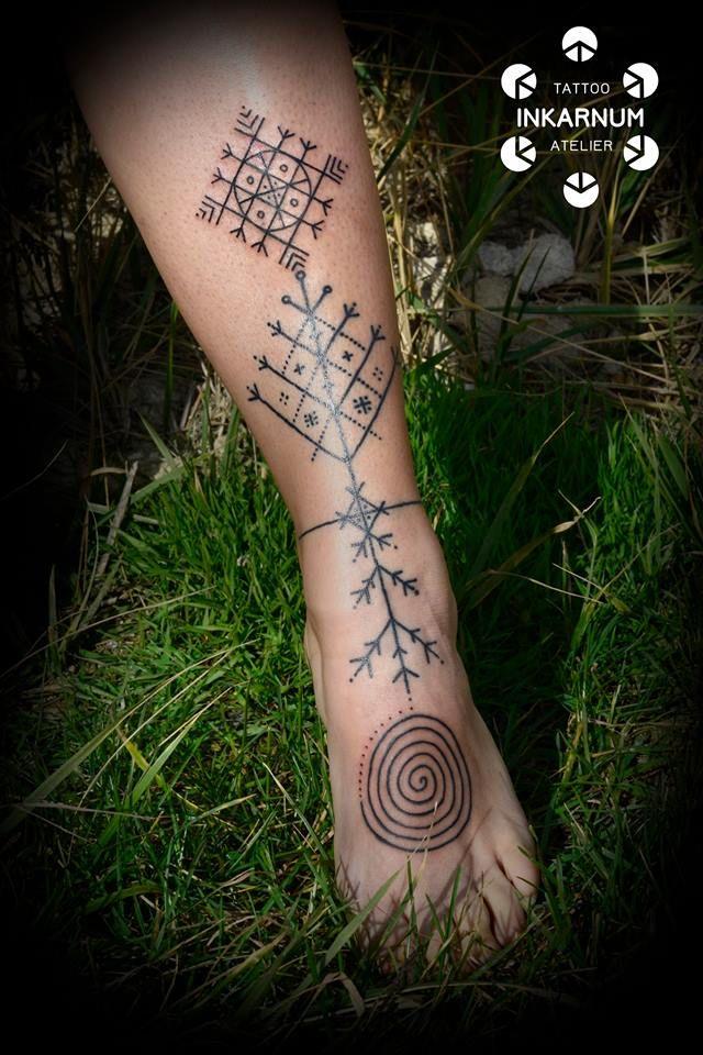 #blackwork #tattoo #lineworktattoo #tattooartist #ritualtattoo #embroiderytattoo #folkloretattoo #traditionaltattoo #czechtattooartist