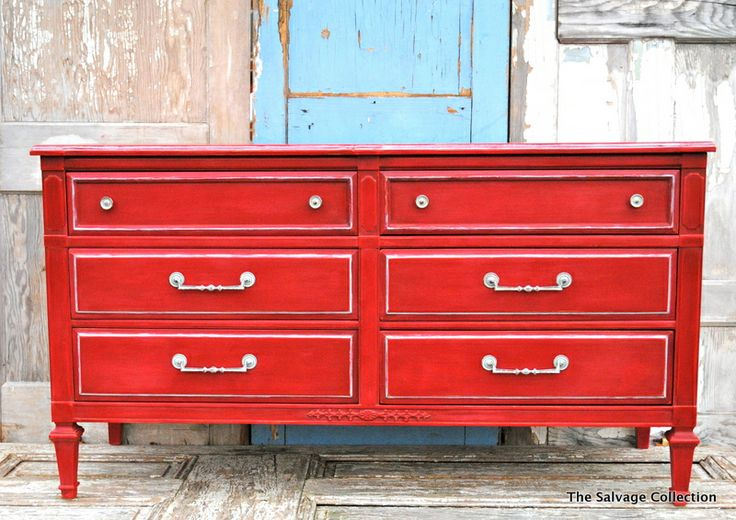 love the red: Accent Piece, Decor Ideas, Painting Furniture, Old Dressers, Picket Fence, Painting Colors, Red Dressers, Dressers Ideas, Chalk Painting