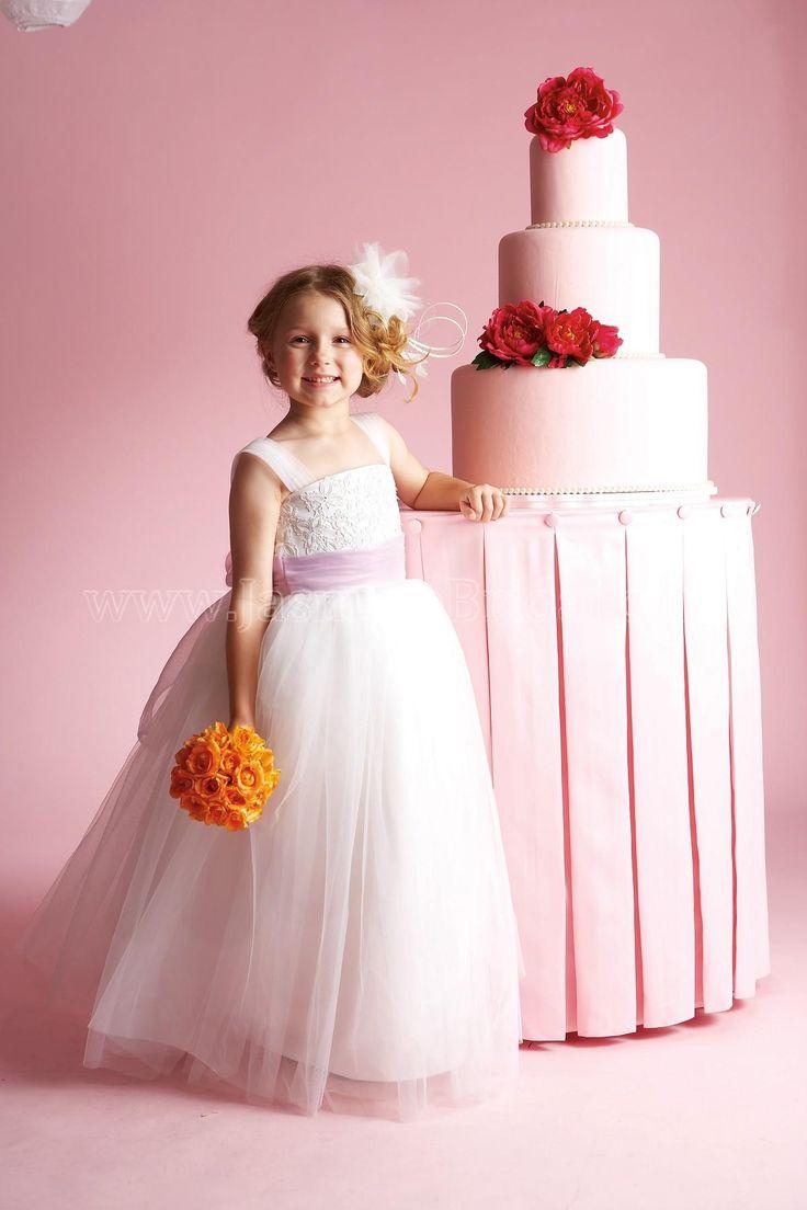 Mejores 69 imágenes de Wedding party lovely little flower girl ...