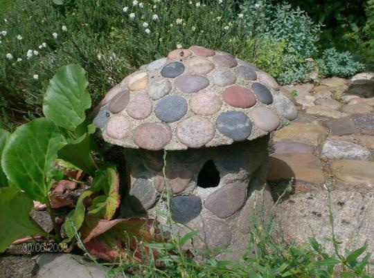 create your own mushroom of stone GARDEN STONES
