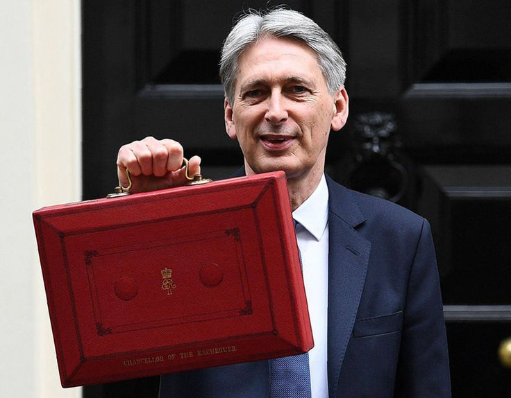 Commons ERUPTS after Philip Hammond mocks SNP with £350m giveaway - https://newsexplored.co.uk/commons-erupts-after-philip-hammond-mocks-snp-with-350m-giveaway/