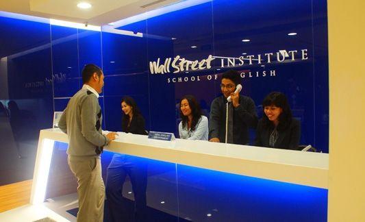 Tempat terbaik belajar bahasa inggris jakarta hanya ada di Wall Street English Institute. http://wallstreetenglish.co.id/