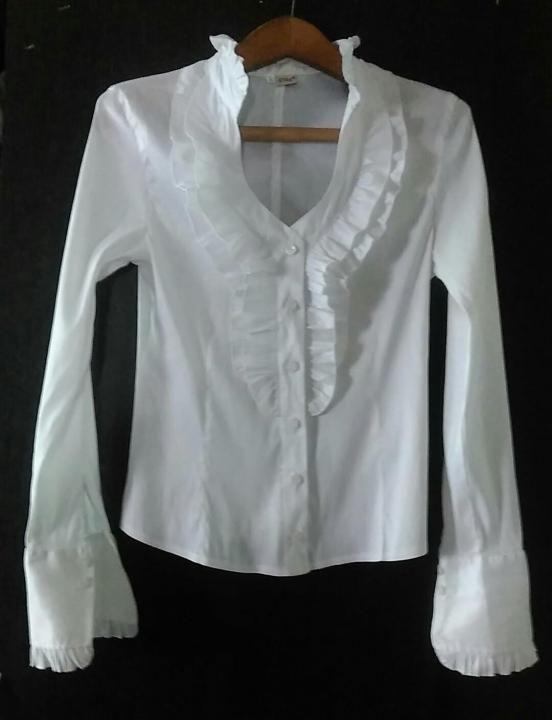 Рубашка женская – купить в Краснодаре, цена 850 руб., дата размещения: 05.05.2017 – Блузы и рубашки