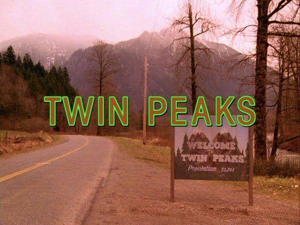 Il racconto dell'episodio pilota della prima stagione di TWIN PEAKS, la serie tv culto del regista David Lynch.