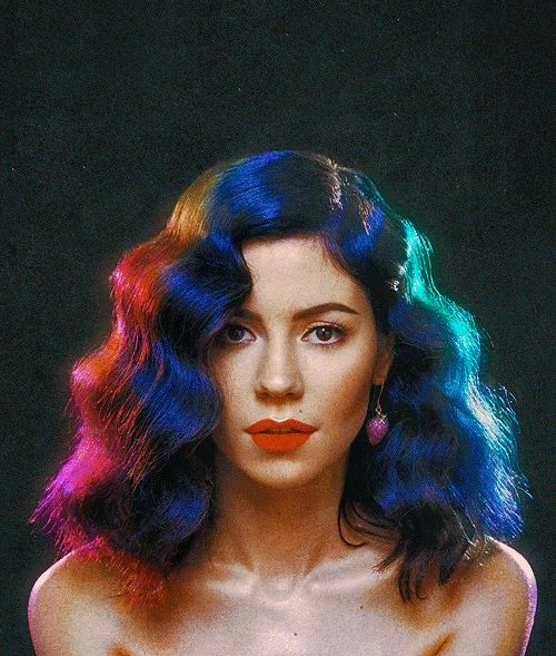 Marina and the Diamonds (this gif is too cool)