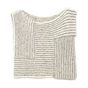 Love this knitted top.. i wonder if my knitting skills will hold up!
