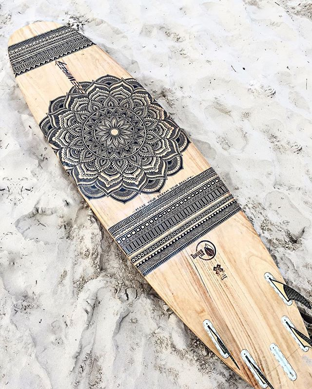 Over 20 hours of hand drawing on this TimberTek board by FireWire surfboards, on its way from Byron Bay Australia to Hong Kong! All my boards can be…