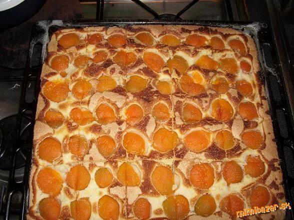 MÚČNIKY, POHÁRE - Marhuľový koláč - veľmi rýchly a jednoduchý, nedá sa pokaziť