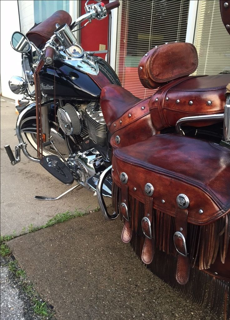 2014 Vintage Chief w/ custom leather dye