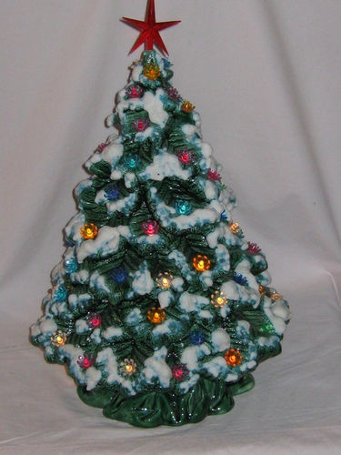 My Grandma Phyllis made one of these and I was always fascinated by it!  ~tgi Vintage Ceramic Christmas Tree, snow on branches