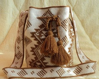 Modern  mochila bag wayuu tecnique handmade Boho Hippie Crossbody Bucket Bag Scandinavian pattern White brown bag