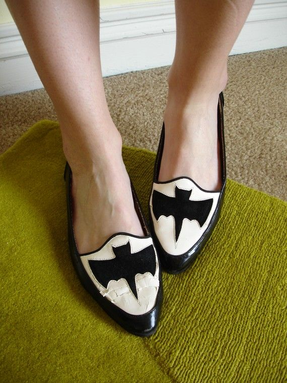 OMG, I totally had these shoes in high school!!!!!! Yep, I was just that badass! ;)
