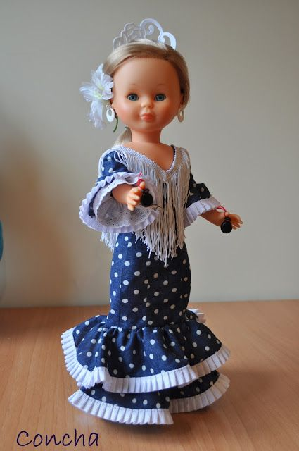 Nancy y mis conjuntos. Vestido largo sevillana.