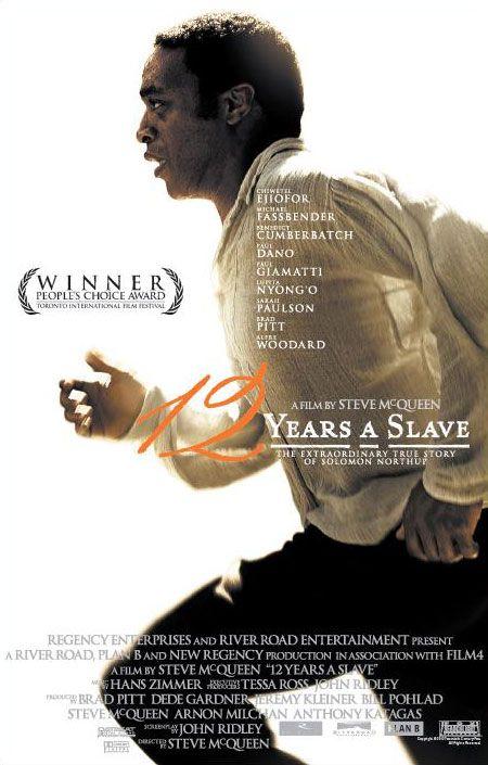 2 Years a Slave – Steve McQueen 'Jusqu'à présent le cinéma du vidéaste britannique Steve McQueen ne m'avait guère convaincu. Ses deux premiers longs-métrages en dépit de sujets forts (l'histoire de Bobby Sands et l'addiction sexuelle) se résumaient à une démonstration plutôt impressionnante de rouleur de mécaniques, un peu trop assuré de ses effets. Reconnaissons que cela a bien fonctionné, notamment avec Shame, portant en lui suffisamment de scandale et de transgression pour séduire.'