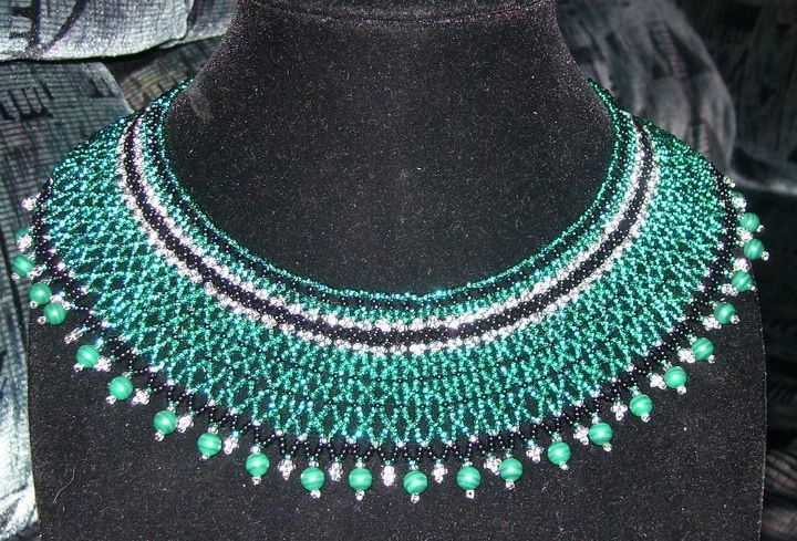 Netted collar with malachite border.    www.facebook.com/teristreasures