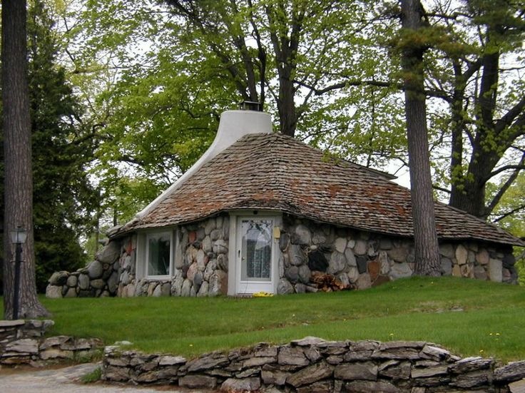 17 best images about stone cottage on pinterest stone for Cottage builders in michigan