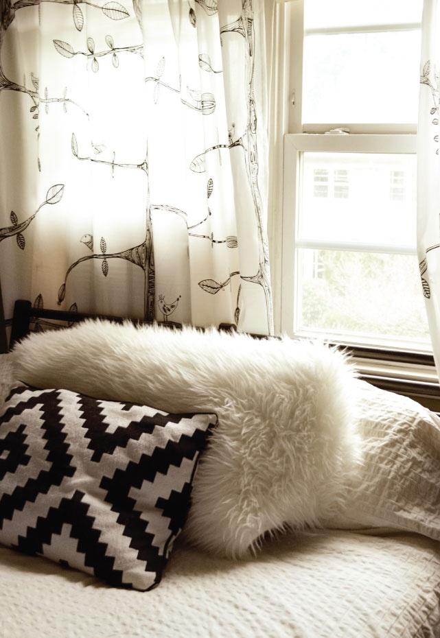 22 Best Black N White Bedrooms Images On Pinterest