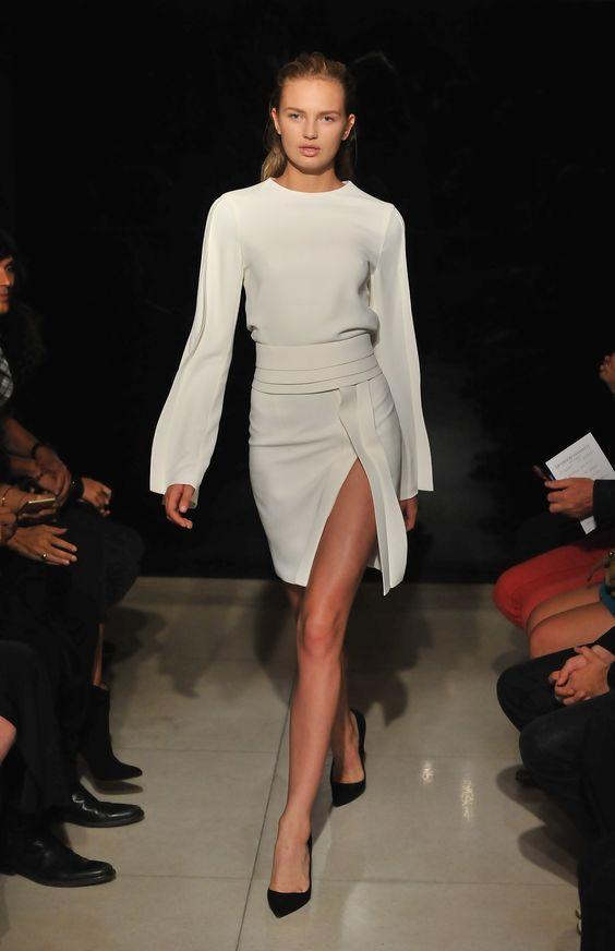 В новом модном сезоне весна-лето 2016 есть несколько актуальнейших трендов, которые должна знать каждая модница