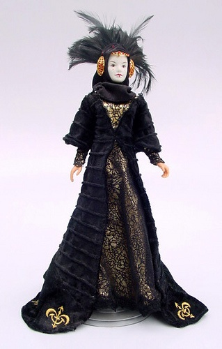 Queen Amidala I have this doll in the original box (R)