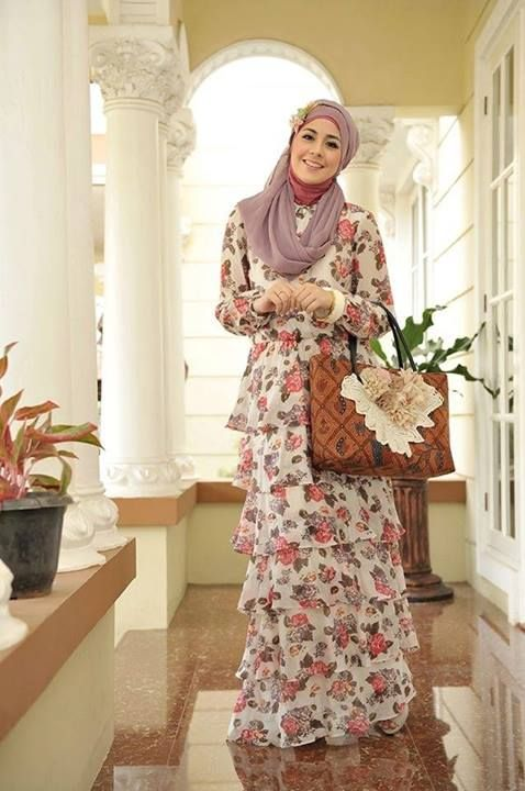 Risty Tagor --- Buy the magazine at https://www.facebook.com/notes/moshaict-moslem-fashion-district/daftar-nasional-reseller-buku-hijab-moshaict/280384698688485 --- www.moshaict.com  #hijab #fashion #fashionhijab #islamicfashion
