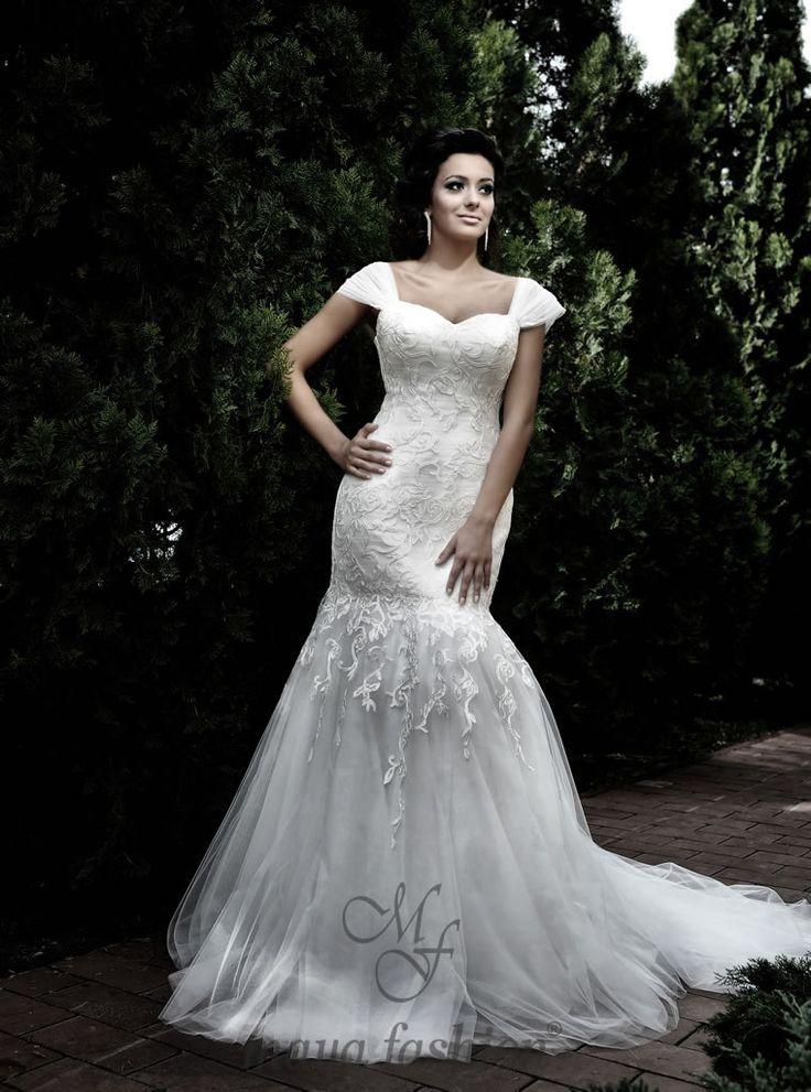 http://www.mayafashion.ro/rochie-mireasa-m11-13