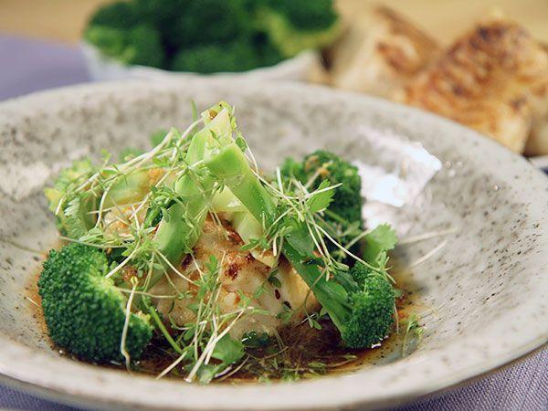 Bra och enkel vardagsrätt med torsk, broccoli, soja och koriander.