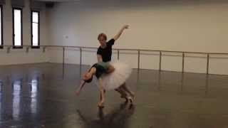 Svetlana Zakharova & David Hallberg rehearsing Swan Lake - 2013/2014 Season http://www.teatroallascala.org/en/season/opera-ballet/2013-2014/il-lago-dei-cigni.html