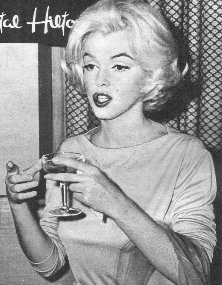 65 best mexico 1962 images on pinterest mexico marilyn monroe 1962 and mexico city. Black Bedroom Furniture Sets. Home Design Ideas