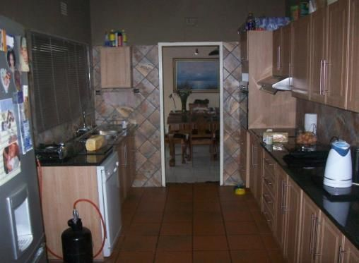 House for sale in Florauna - Listing number P24-104088536 - Mail & Guardian Online