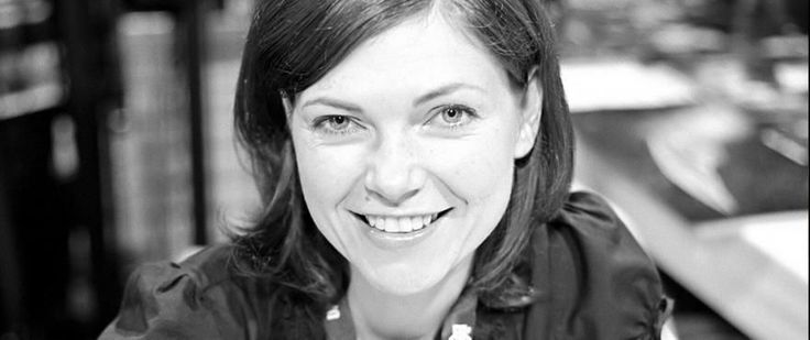 10 Things To Know About... Nicole de Boer   Today is the birthday of Nicole de Boer Star Trek: Deep Space Nine's Ezri Dax. StarTrek.com celebrates the occasion by sharing 10 Things to Know About Nicole de Boer. Check 'em out:  De Boer hails from Toronto Canada. Her first credit was Freddie the Freeloader's Christmas Dinner. Fans of a certain age will remember that Freddie the Freeloader was a beloved character played by comedy legend Red Skelton. De Beor was just 11 years old when she…